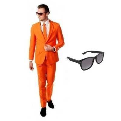 Oranje heren feest outfit maat 54 (2xl) gratis zonnebril