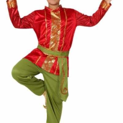 Rood groene Oosterse kleding