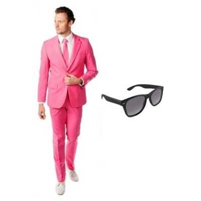 Roze heren feest outfit maat 52 (xl) gratis zonnebril